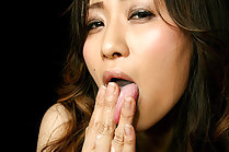 Inamori Erika giving handjob and tasting thick cum