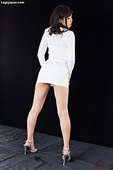 Yokoyama Natsuki In Short Skirt High Heels