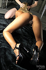 Ass View Head In Hands Bare Ass Pussy Lips In High Heels